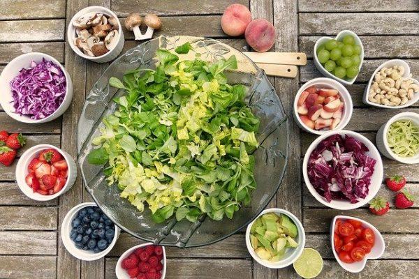 14 melhores e piores alimentos para o fígado