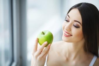 Entenda porque a nutrição é uma aliada da saúde bucal