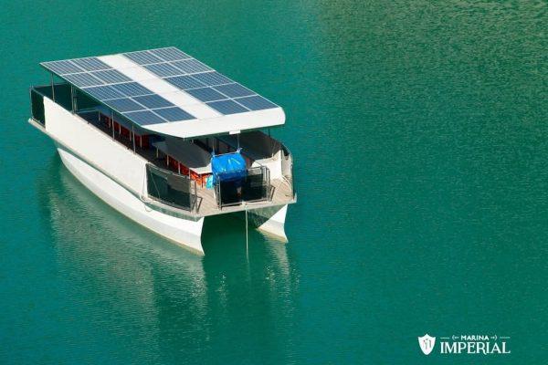 Barco solar: Conheça essa tecnologia inovadora!