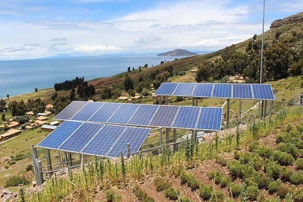 Painéis solares funcionam em dias nublados?